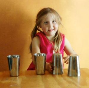R turning cups one hand 7.jpg
